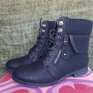 Via Pinky Black Boots Size 7